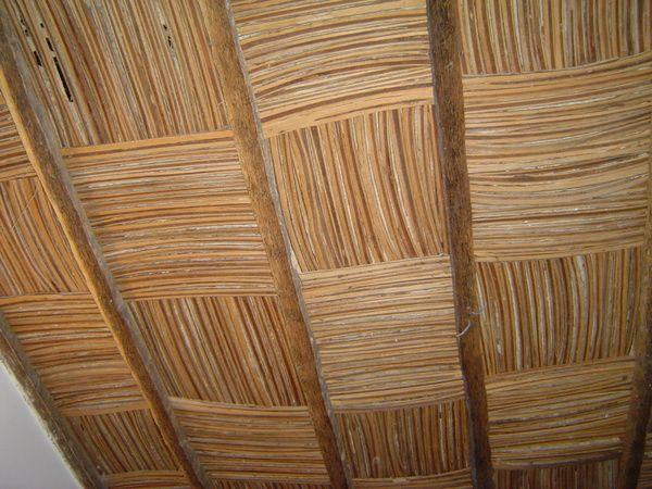 images d 39 afrique le plafond en bois de paletuvier plafonds en bois pinterest. Black Bedroom Furniture Sets. Home Design Ideas