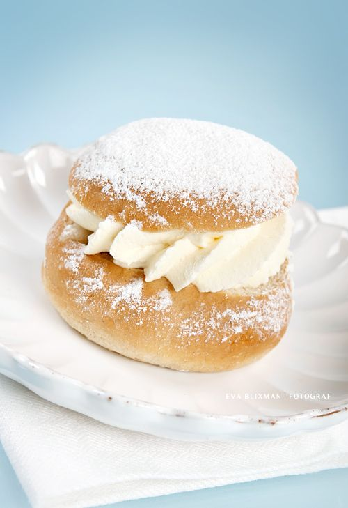 "Swedish Desserts | the swedish dessert ""Semla"" 