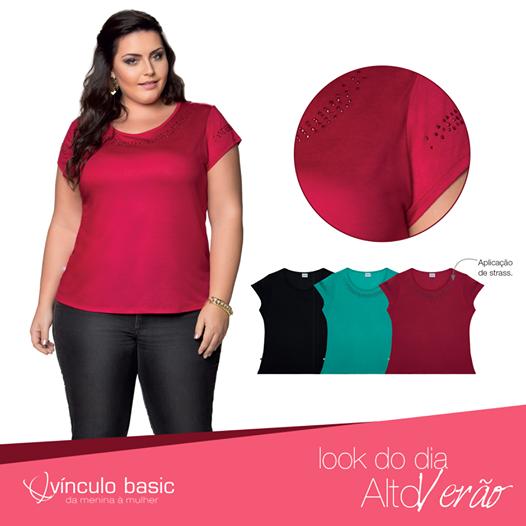 Quem não gosta de um toque de brilho para quebrar o look básico? Esta blusa da Vínculo Basic tem aplicações de strass que te deixarão super fashion! Disponível também nas cores verde e preto.   #PlusSize #Altoverão