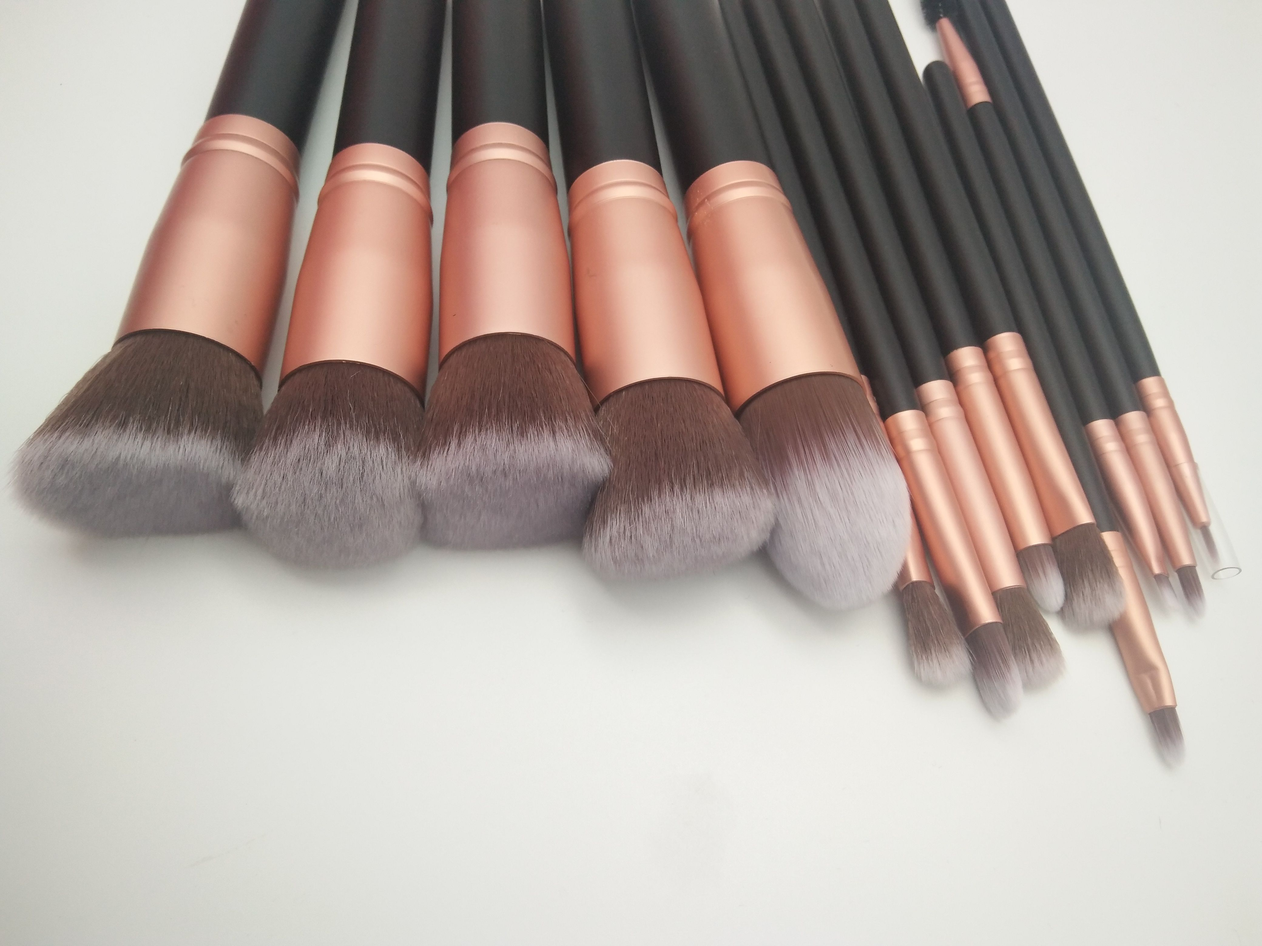 beauty_makeupbrushes Available professional makeup brush