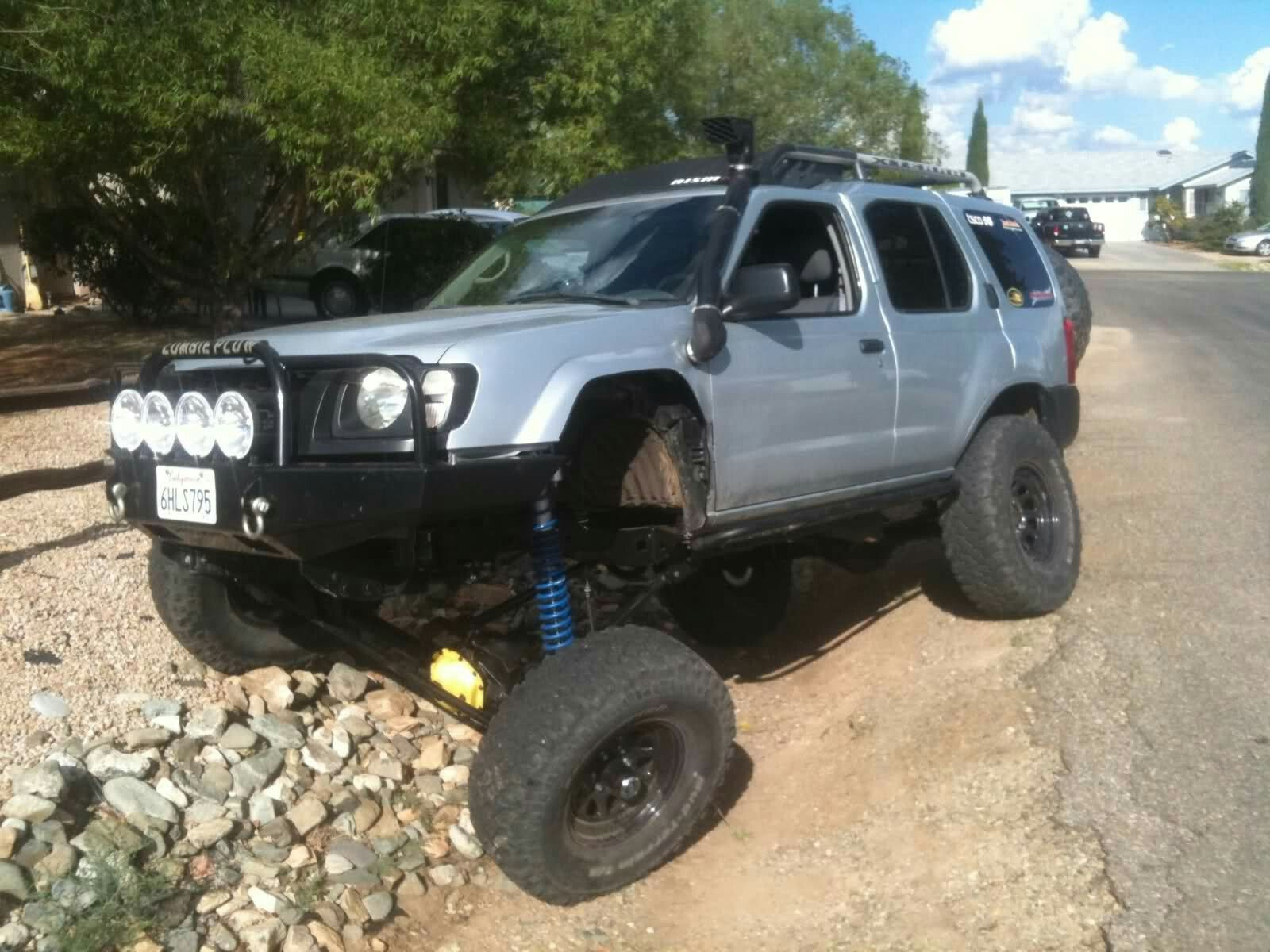 xterra-they ditched the ifs and made a solid axle, she looks pretty flexin'