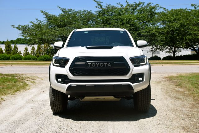 Nice Great Oem Toyota Tacoma Trd Pro Grill Fits 2016 2017 Pt228 35170 2018 Check More At Http 24auto Cf Pr