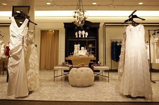 10  images about window ideas for bridal shop on Pinterest ...