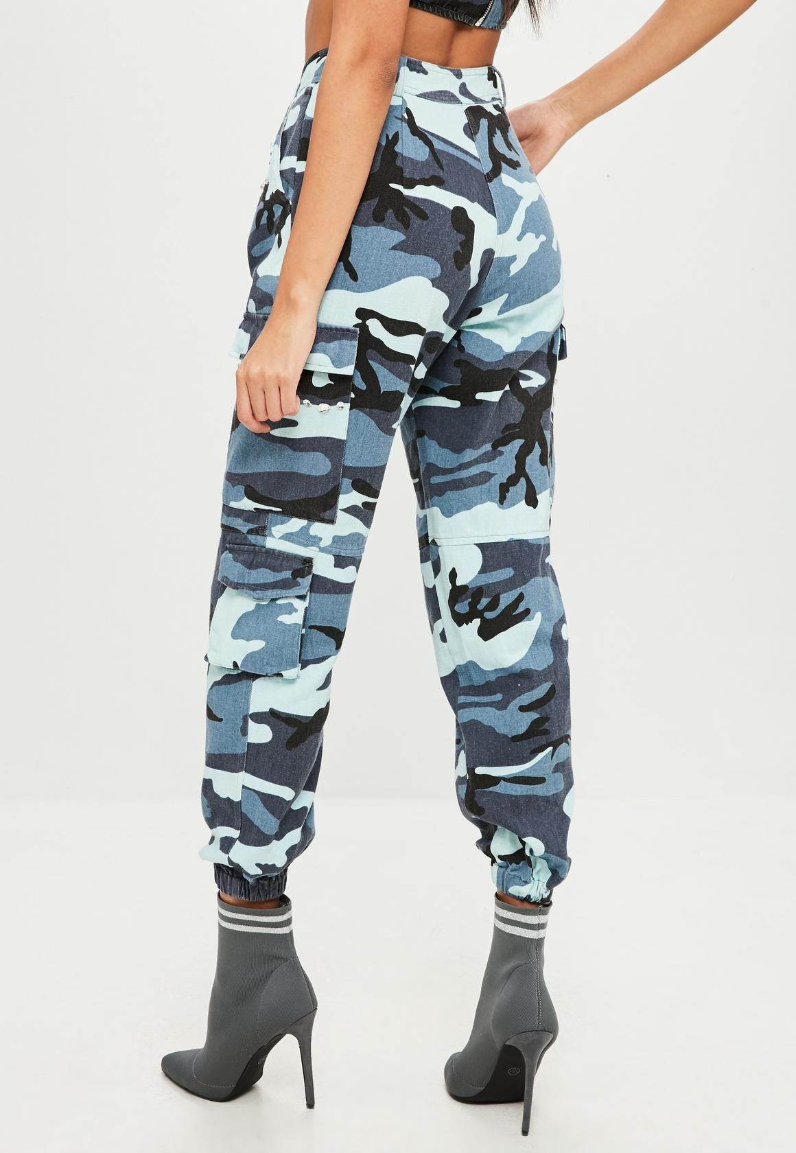 10ef6e8e724486 Missguided - Carli Bybel x Missguided Blue Camo Cargo Trousers ...