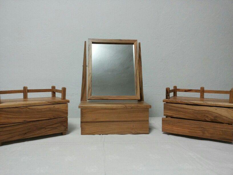 Specchiera e cassettiere porta gioie in ulivo