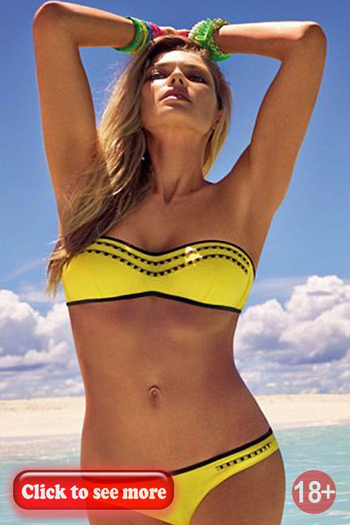 Ebony milf bikini