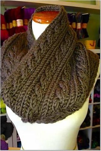 Free Pattern Chunky Uptown Cabled Cowl By Sarah Ocepek Knitting