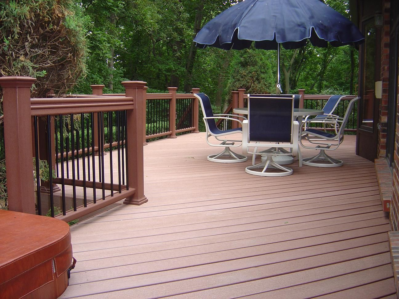 best waterproof material for balcony floor, recycle wood