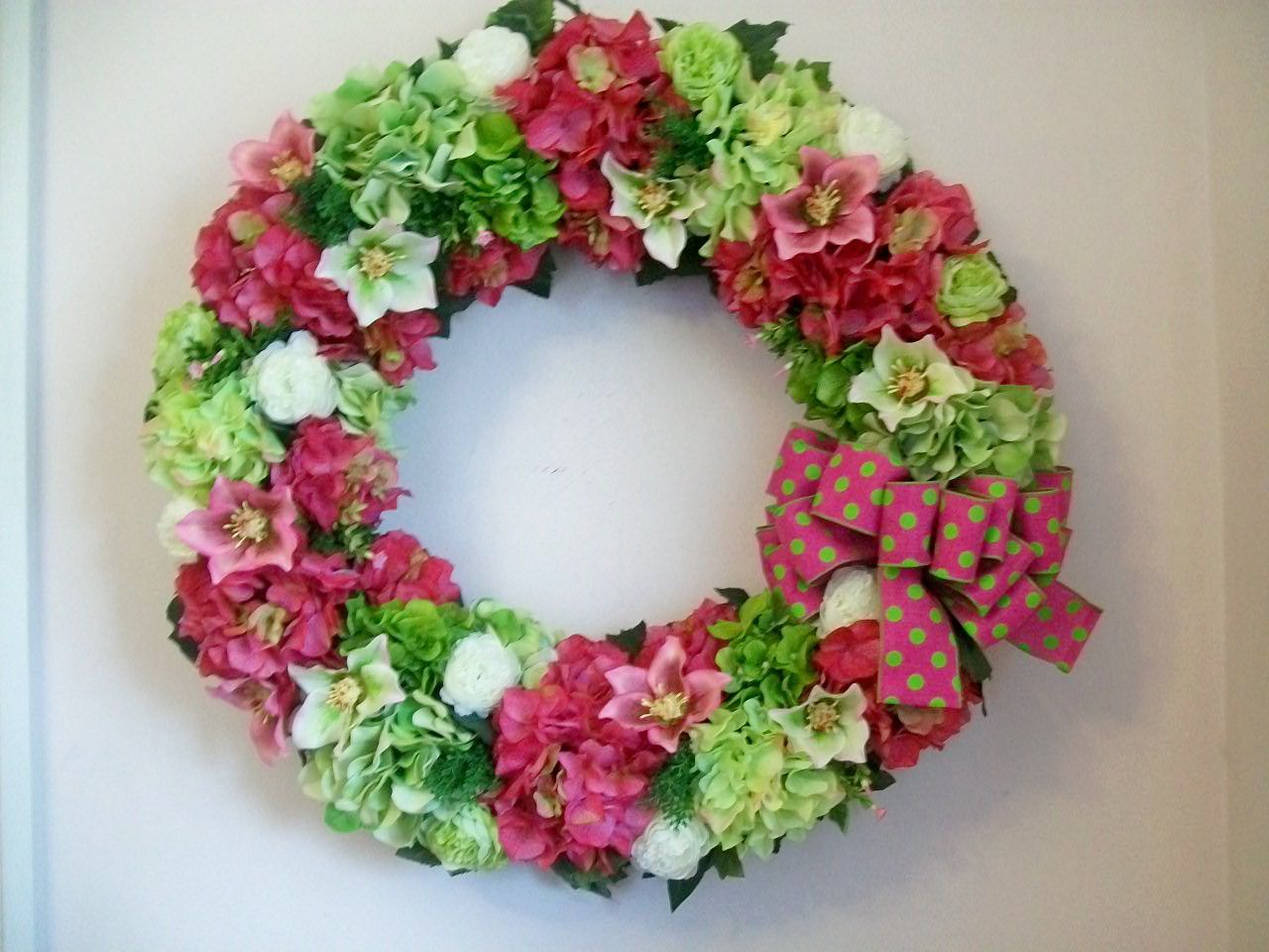28 inch custom wreath