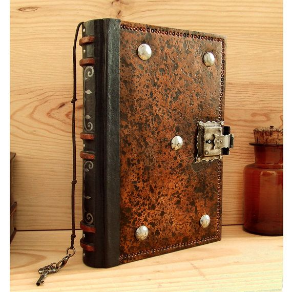 Leather Journal Blank Book With Lock And Key Brown By Teostudio 190 00 Leather Book Covers Bookbinding Leather Journal