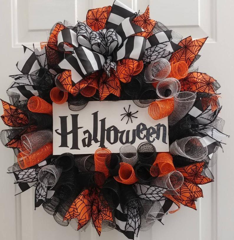Halloween Wreath Halloween Spider Wreath Halloween Door Etsy In 2020 Diy Halloween Wreath Halloween Tulle Wreath Halloween Deco