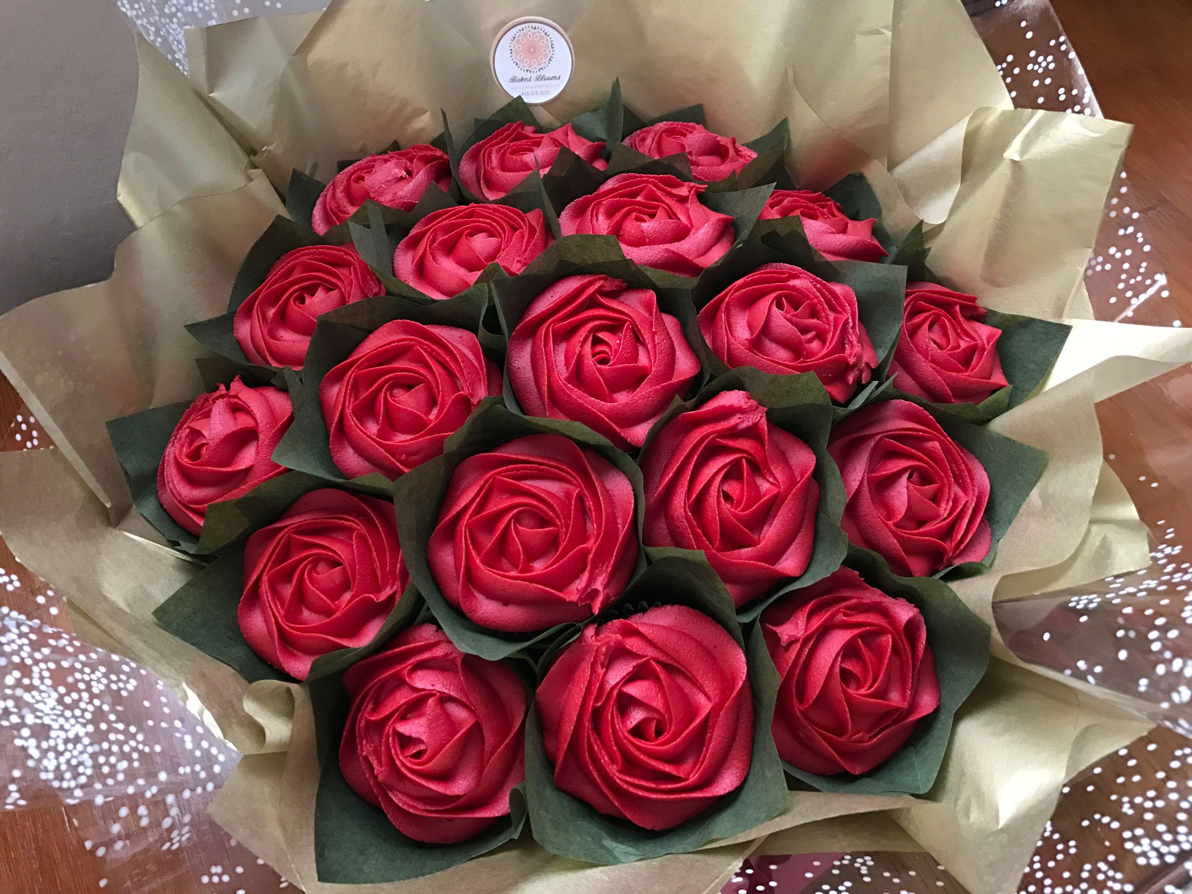 Red Roses Kentucky Derby Bouquet Www Bakedblooms Com Cupcake