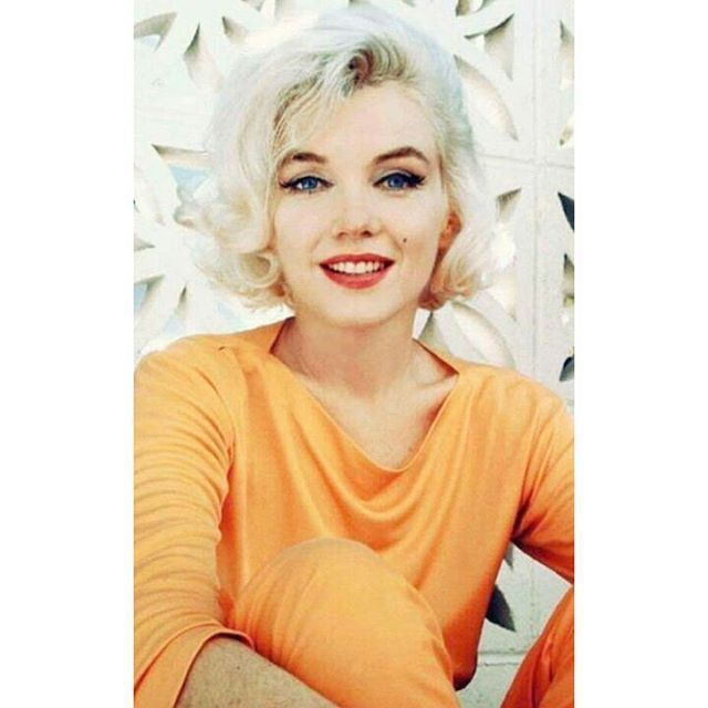 Hello its @monroe_loren I'll post on Wednesdays ❣ i hope you enjoy my posts 💕 ~Marilyn photographed by George Barris in 1962 💜 •••••••••••••••• #MarilynMonroe #NormaJean #OldHollywood #ClassicHollywood #Beauty #Actress #oldhollywoodsquad