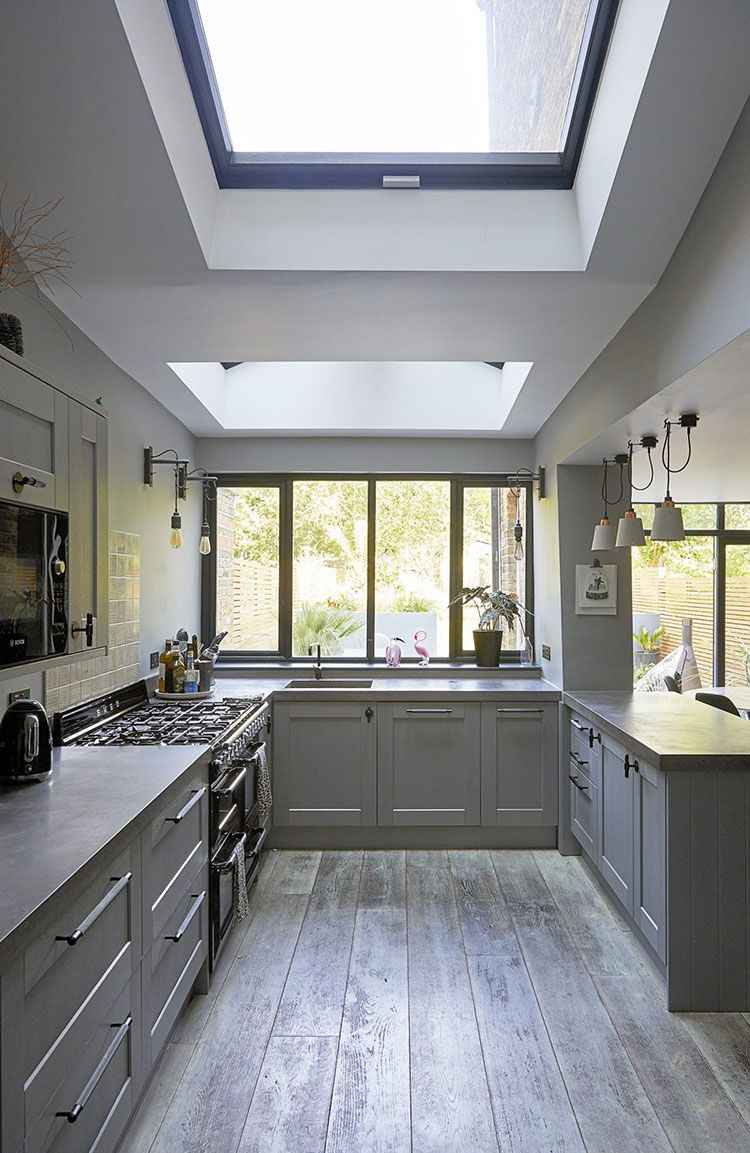Cool Prints And Accessories In Unique London Home Foto Idei Dizajn London Home Decor Victorian House Interiors Grey Kitchen Designs
