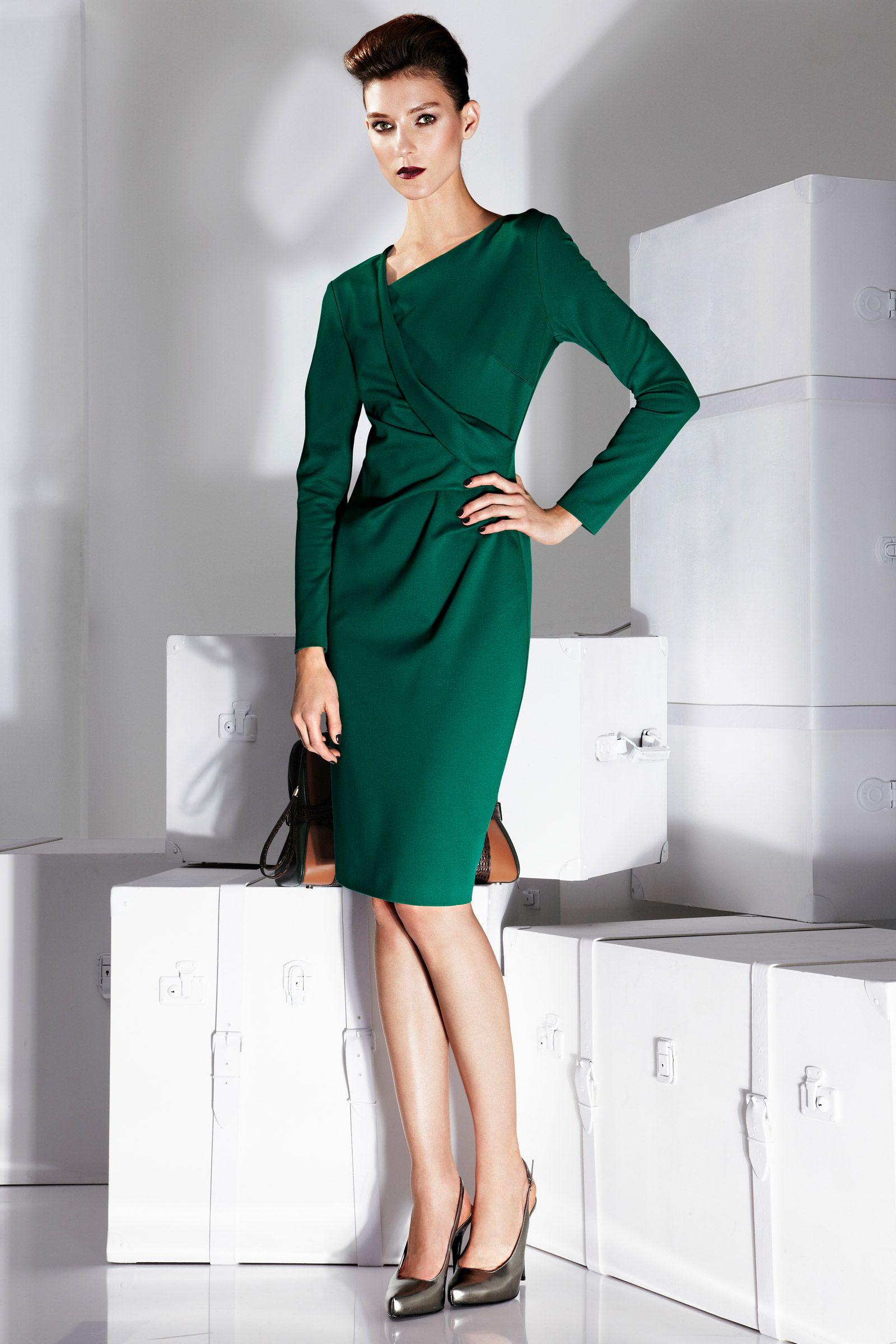 KLEID - Durch strahlendes Smaragdgrün besticht dieses feminine