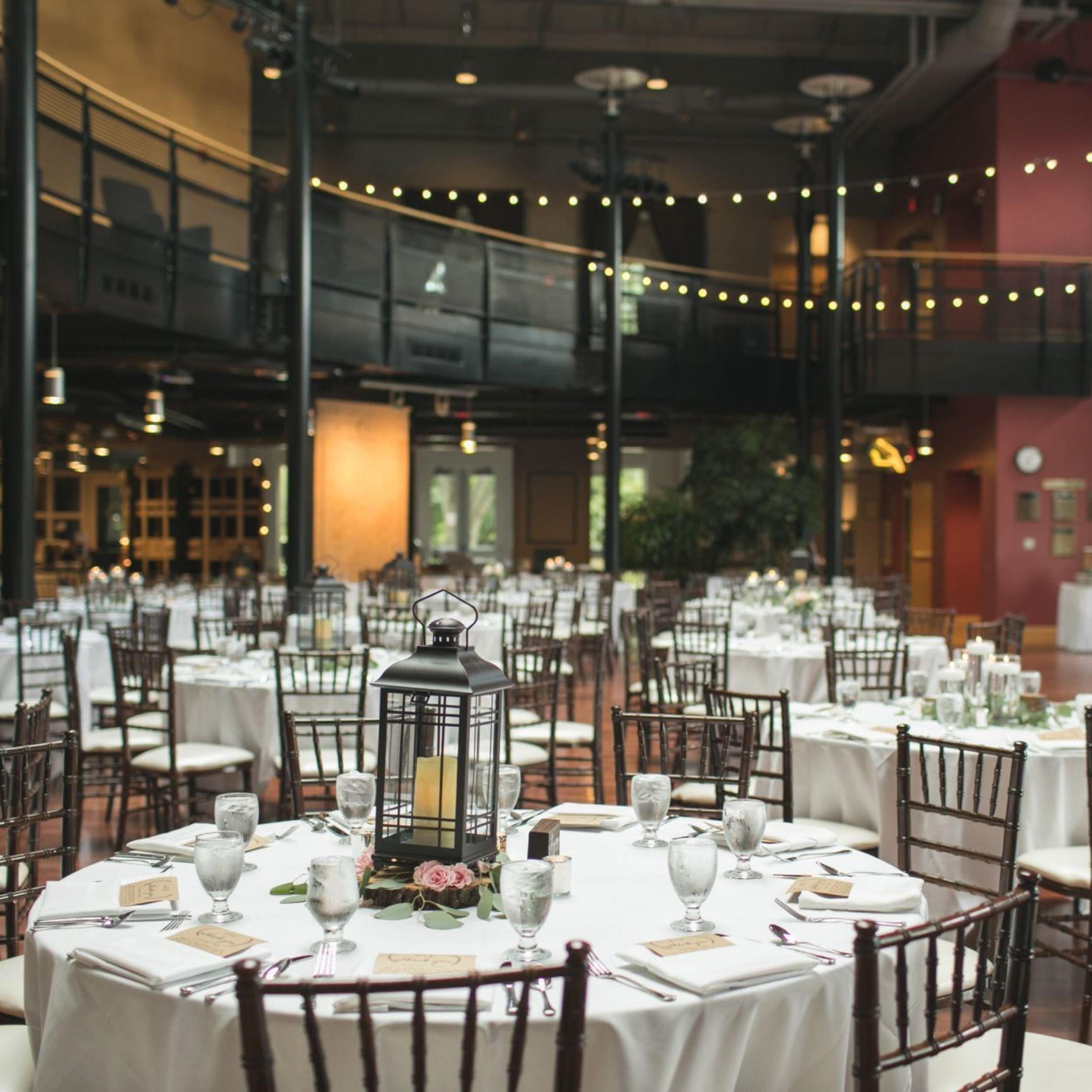 Wedding Reception At The Hansen Center Court At Illinois Wesleyan