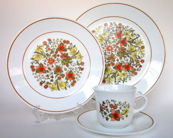 16-Pc Vintage Corelle \ Indian Summer\  Dinnerware Set for 4 Corningware Corning Dishes Plates Cups & 16-Pc Vintage Corelle \