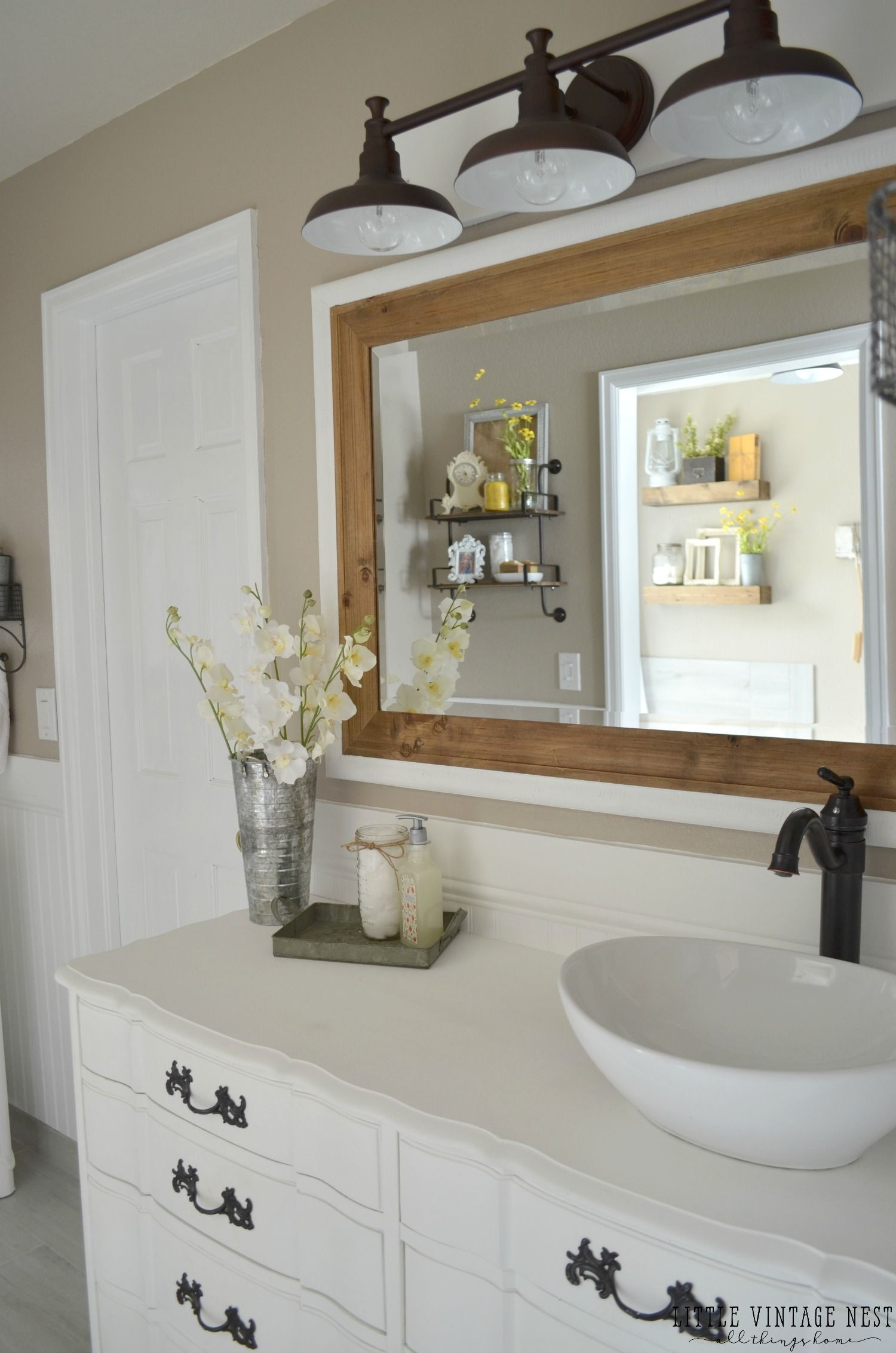 Farmhouse master bathroom reveal vintage farmhouse for Bathroom decor farmhouse