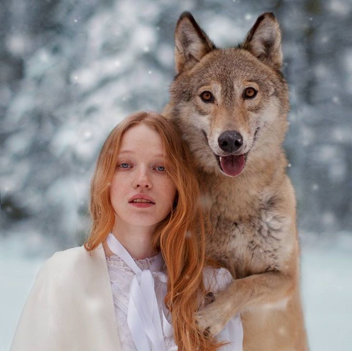 Dreamy Portraits Of Women Living In Harmony With Wild Animals - Photographer captures fairytale like portraits women animals