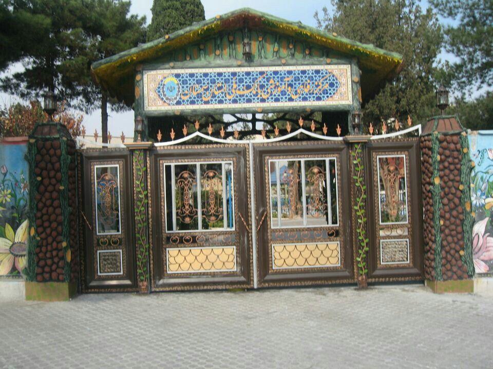 طراحی ساخت درب های ورودی باشگاه
