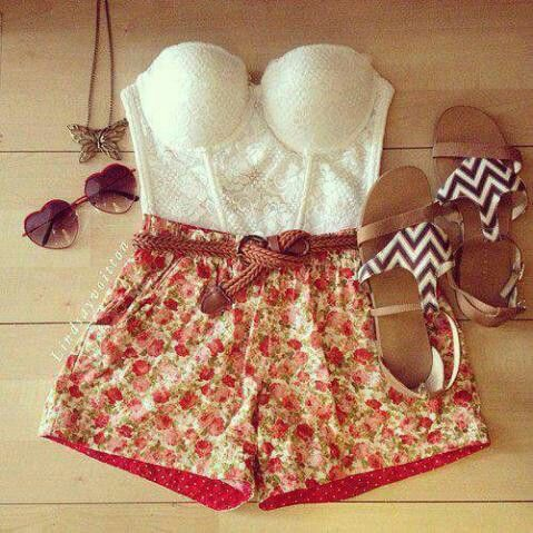 Cute. I dont think I could pull this off, but I love the retro vibe of this.