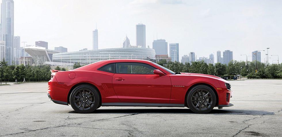 El exterior del Chevrolet Camaro ZL1 además de atraer miradas, ha sido diseñado para mejorar la dinámica general del auto.