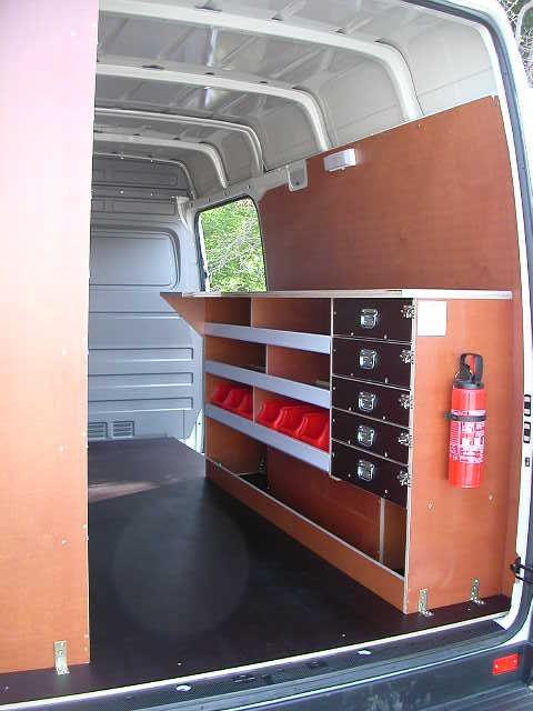 equipements interieur fourgon volkswagen utilitaires caddy. Black Bedroom Furniture Sets. Home Design Ideas