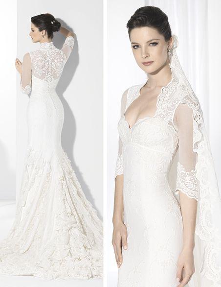 vestido de novia corte sirena de inspiración flamenca en encaje de