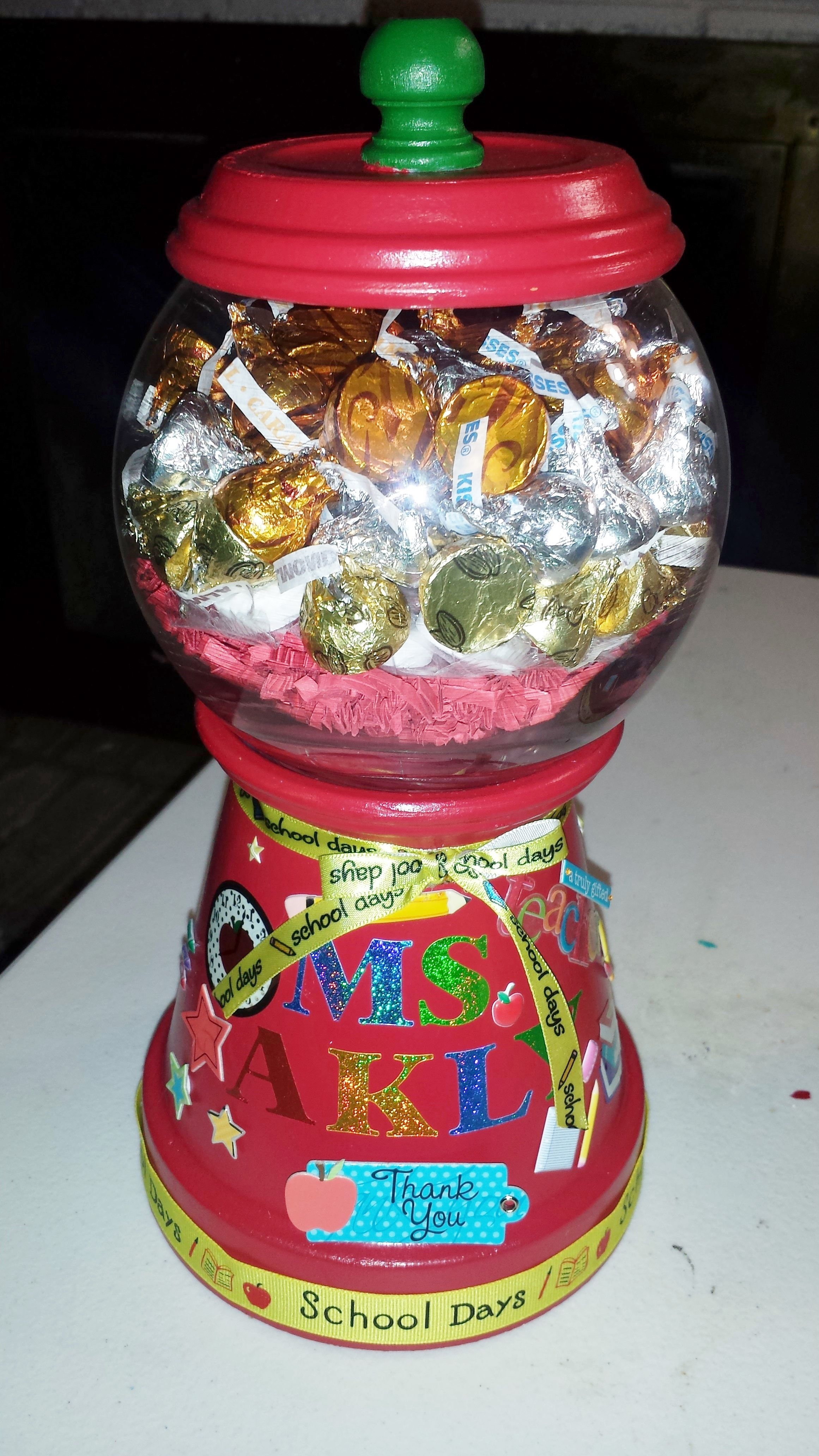 Pin By Lety On Crafts Teacher Appreciation Gifts Diy Diy Teacher Gifts Candy Jars