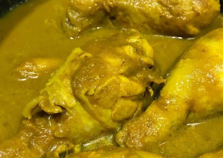 Resep Ayam Ungkep Bumbu Kuning In 2020 Food Chicken Meat