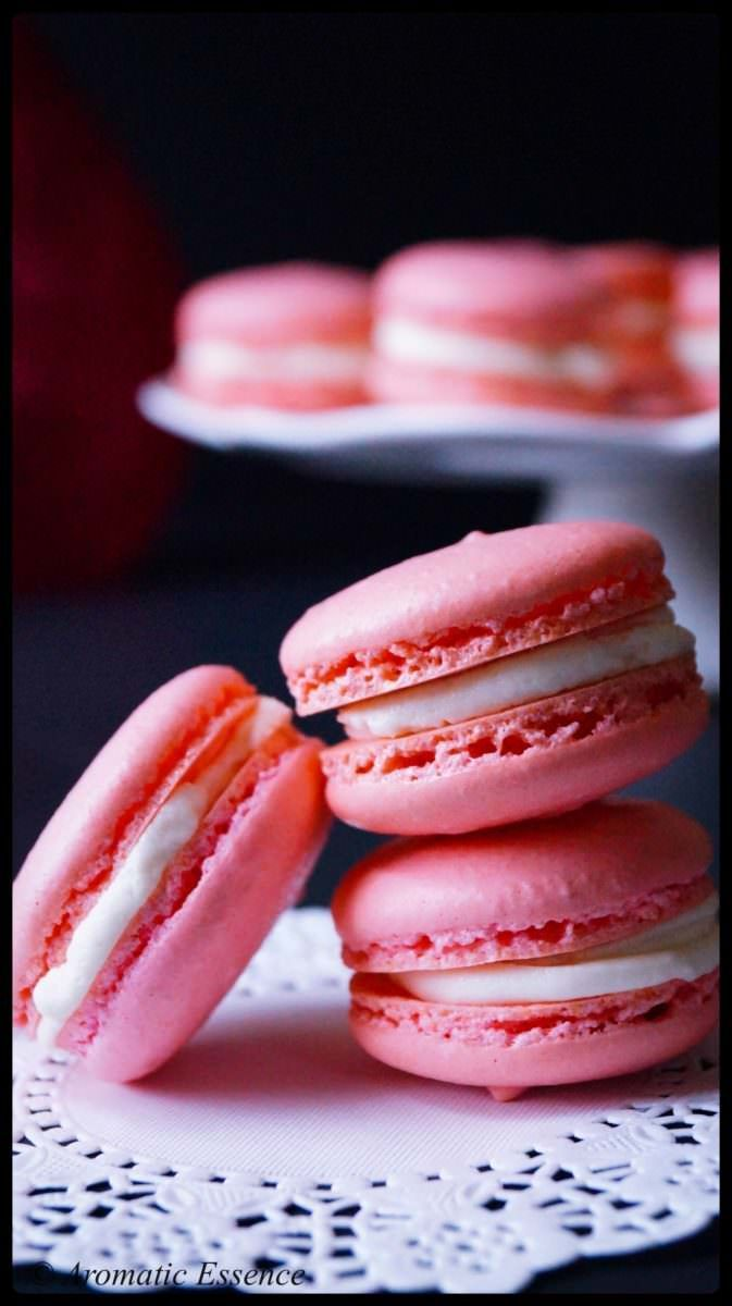 Macarons with vanilla buttercream center - Cupcakes/frostings -