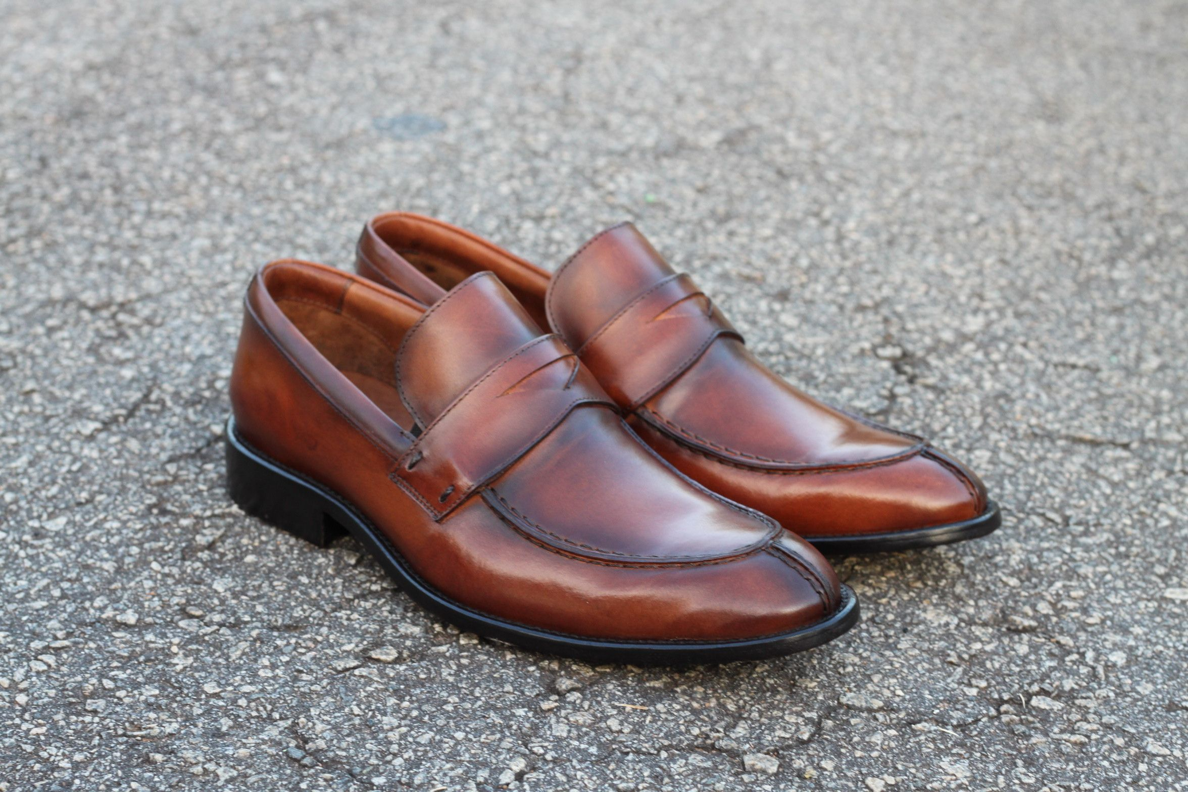 cf1cbaf0db Sapato Social Masculino Loafer CNS em couro cor Damasco