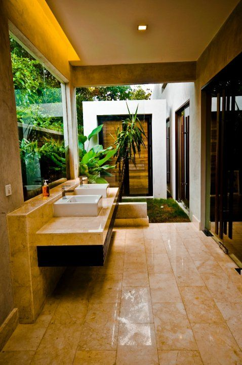 Modern Contemporary Malaysian Bungalow Attached Bathroom