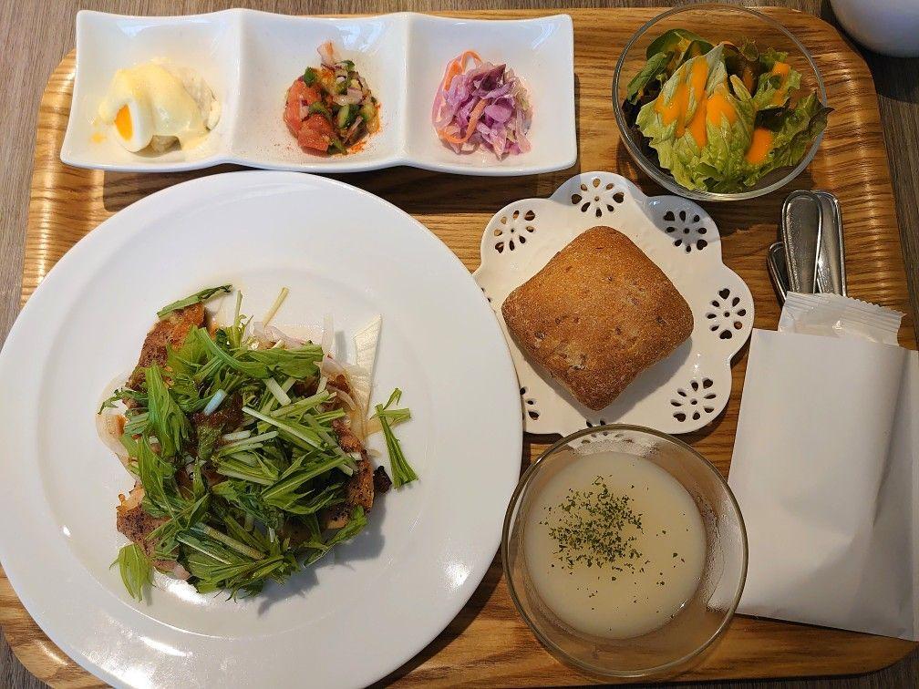 小田急ハルクに入っているフランスの紅茶ブランドのティーサロン、ル・サロン・ド・ニナスでのランチ。#東京ランチ #新宿 #tokyolunch #shinjuku