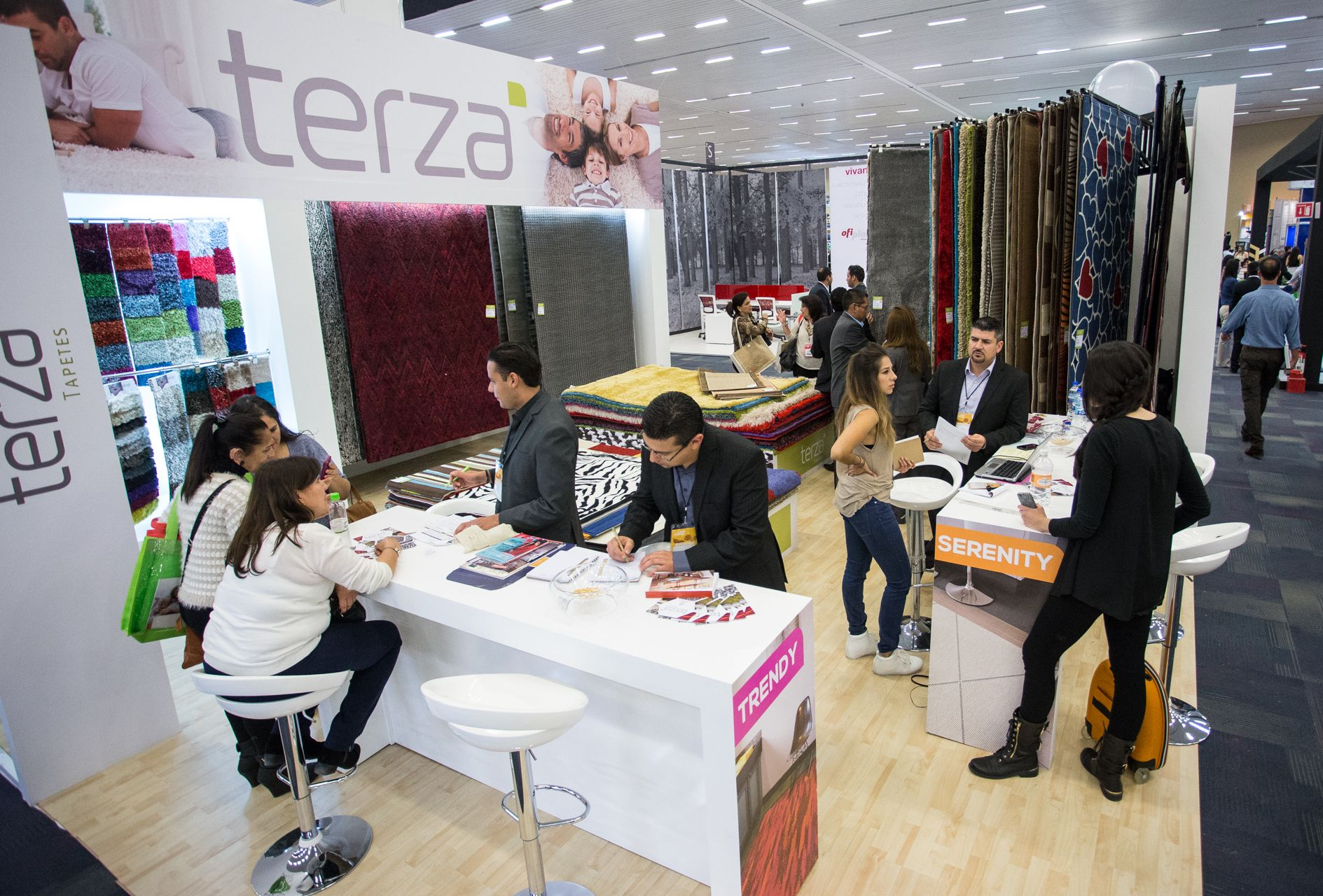 En la edición 34 de Expo Mueble Internacional, se recibieron 12 mil compradores nacionales y extranjeros, y se contabilizaron ventas  por 500 millones de pesos, que abonarán al crecimiento del sector mueblero, uno de los más importantes de la entidad.