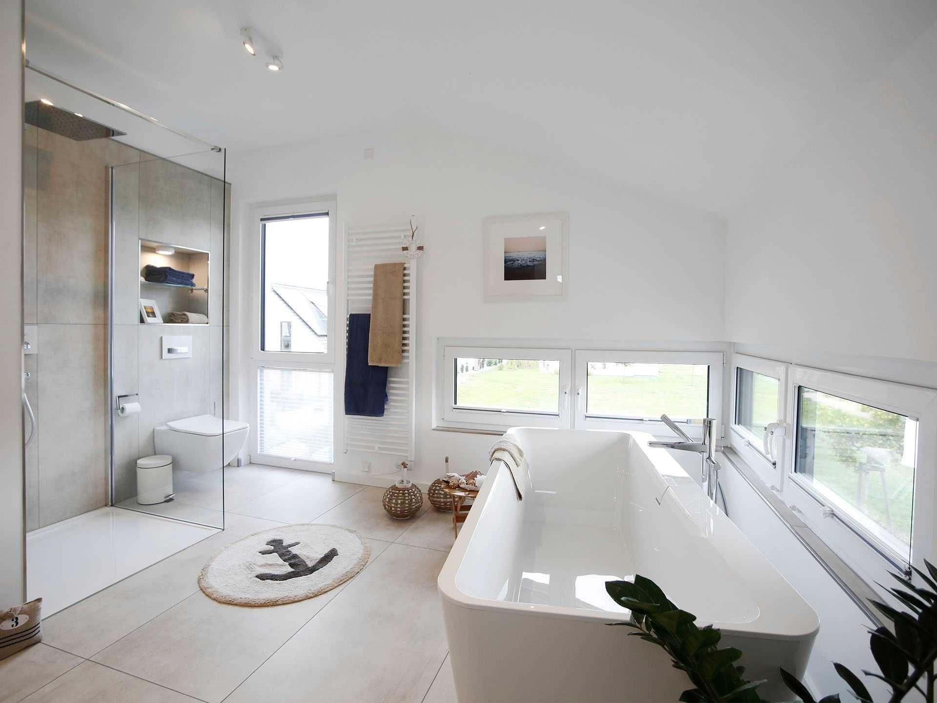 #Badezimmer Im Musterhaus Werder Von OKAL Haus U2022 Mit #Musterhaus.net  Traumhaus Finden