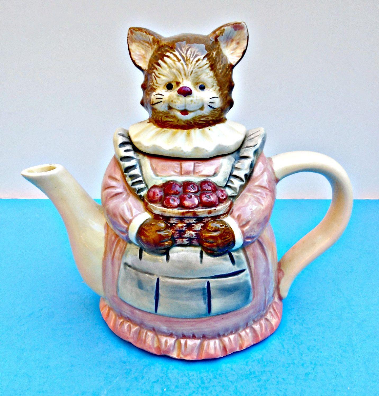 Ceramic Teapot Mama Cat With Apples Made In Taiwan Pink Etsy In 2020 Tea Pots Cat Teapot Ceramic Teapots