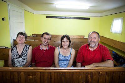Pequenas Igrejas Podem Fazer uma Grande Diferença - Um pequeno grupo de igrejas romenas se uniu em oração e apoio financeiro para uma família de missionários servindo com a Wycliffe na Etiópia.