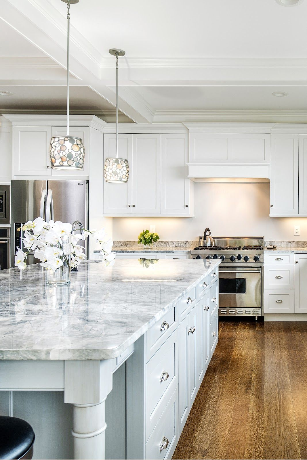 How to Select the Perfect Kitchen Cabinets | The Kitchen ...