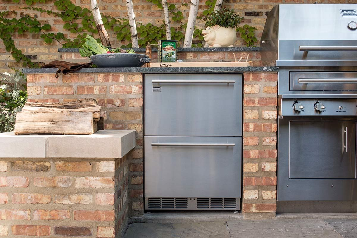 a nice chicago outdoor kitchen in my article u2026 u201cdressed to grill