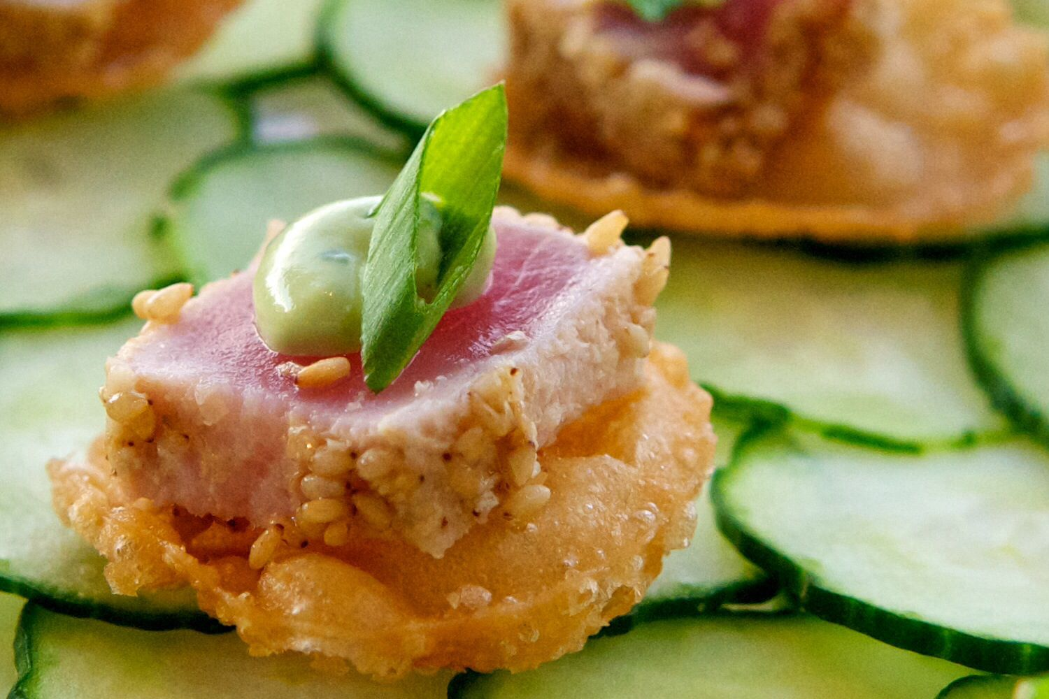 Canape Winston But Seared Tuna On Crispy Wonton Kristen Winston Appetizers Food