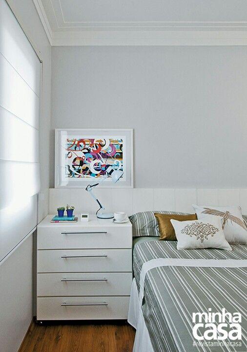 Quarto branco e gelo O painel da cama ocupa toda a parede  ~ Quarto Casal Cor Branco Gelo