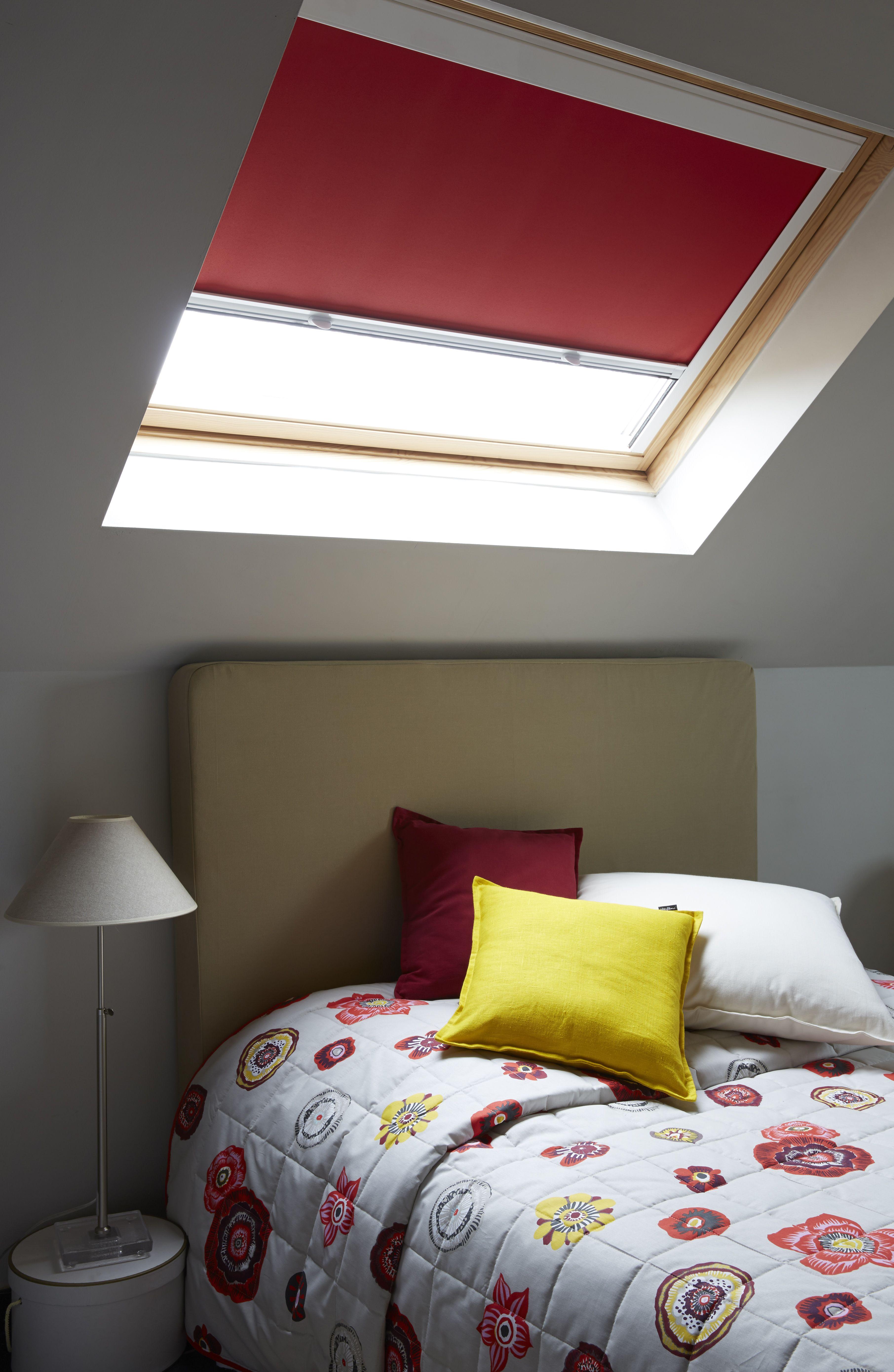 chez vous dessus de lit matelass store enrouleur et velux. Black Bedroom Furniture Sets. Home Design Ideas