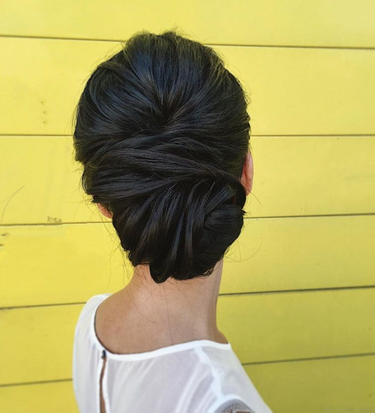 Chignon, updo wedding hairstyles with beautiful details,updo wedding hairstyles ,classic updo wedding hairstyle,classic updo,wedding hairstyle,romantic hairstyles #weddingupdo #updos #hairstyles #bridalhair #bridehairideas #upstyle