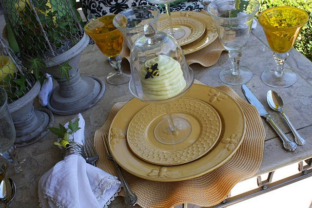 Plates Horchow Bumble Bee Flatwear Wallace Napoleon
