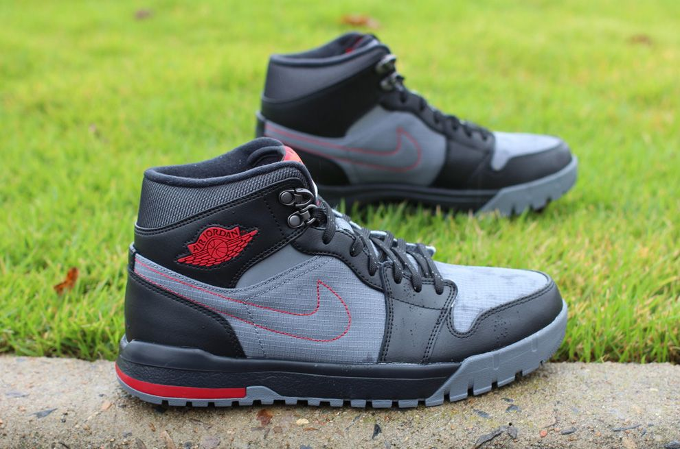 nike air jordan red trek boots