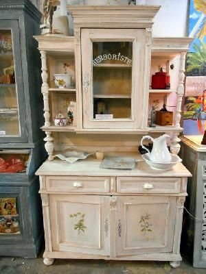 joli buffet ancien repeint peintures et patines ii pinterest ancien jolies et meubles. Black Bedroom Furniture Sets. Home Design Ideas