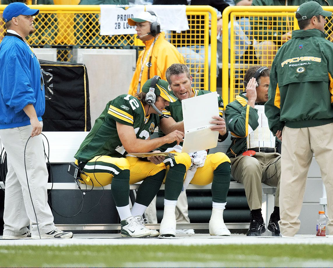 Hot Clicks Rare Photos Of Aaron Rodgers Green Bay Packers Football Green Bay Football Green Bay Packers Cheesehead