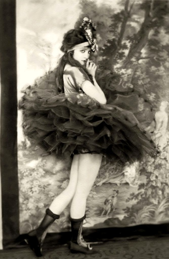 Alfred Cheney Johnston Photo, Ziegfeld Girl Jean Ackerman