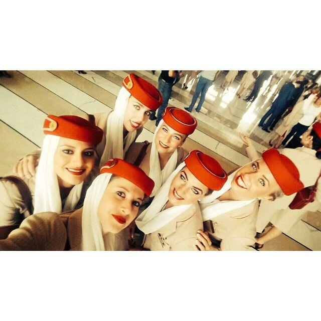 Emirates stewardess crewfie @cambiatuvidaa